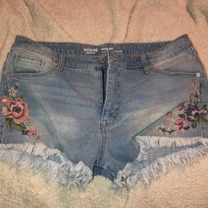 Size 18 shorts with embroidered flowers